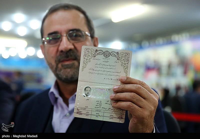 ثبت نام محمد عباسی در ششمین روز ثبتنام داوطلبان انتخابات مجلس یازدهم
