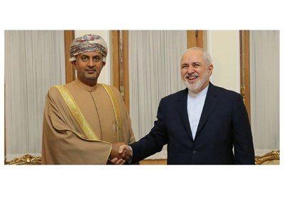 Iranian FM Urges Closer Economic Ties with Oman
