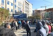 هجوم هواداران به باشگاه استقلال با شکستن در پارکینگ/ وضعیت قرمز در ساختمان آبیها