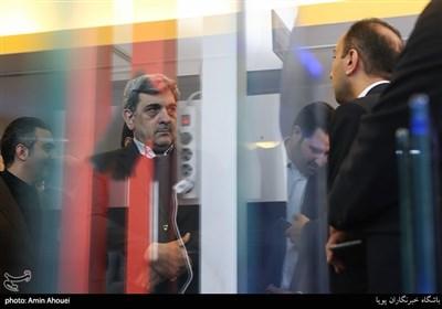 بازدید پیروز حناچی شهردار تهران از سومین نمایشگاه تهران هوشمند