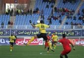 لیگ برتر فوتبال| شهر خودرو و سپاهان با تساوی به رختکن رفتند