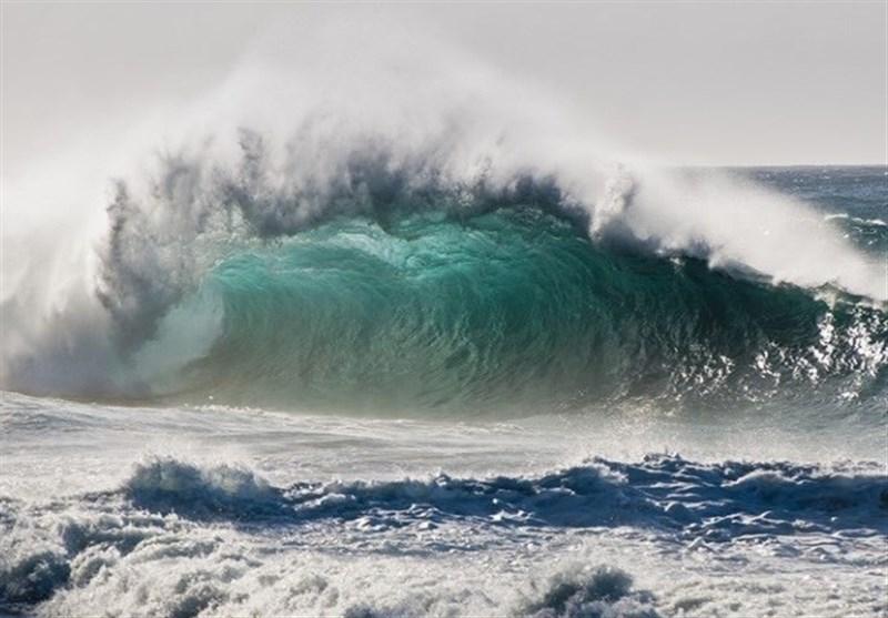 هشدار امواج 2.5 متری در دریای خزر و خلیجفارس