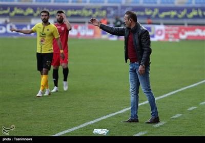 دیدار تیمهای فوتبال شهرخودرو و سپاهان - مشهد