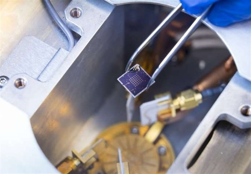 New Transistors Can Both Process, Store Info