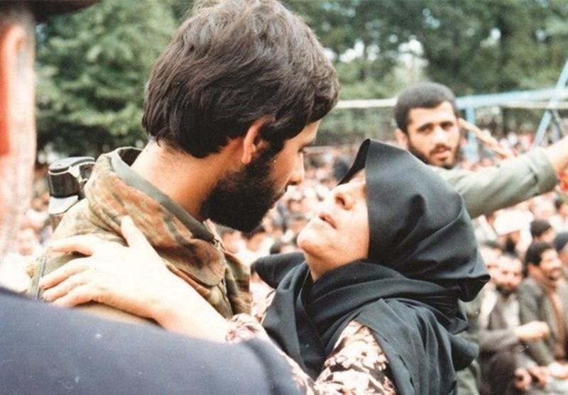 همدان| ماجرای هدیه مادر شهید کرمعلی به رهبر معظم انقلاب که به موزه امام رضا(ع) اهداشد+ فیلم