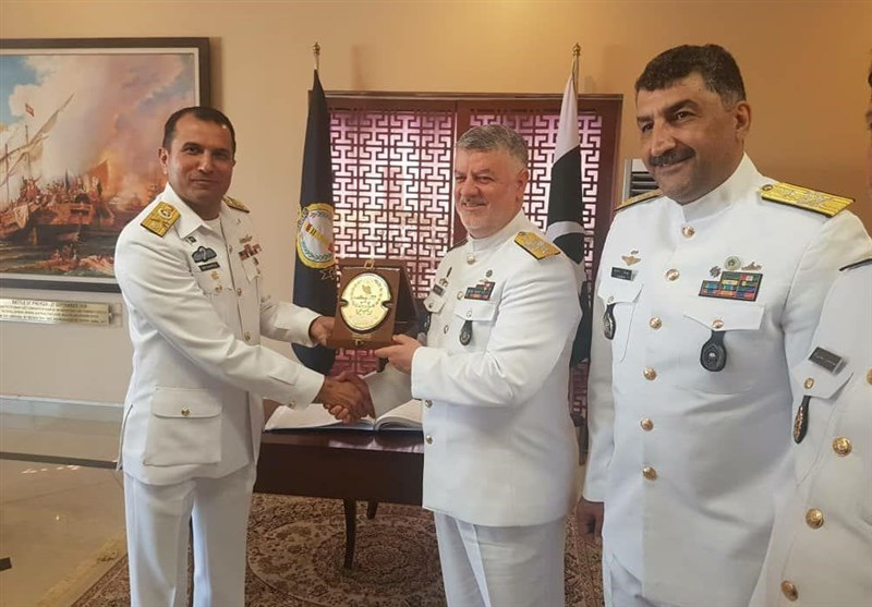 Iranian Commander Visits Pakistan Navy's Training, Research Centers