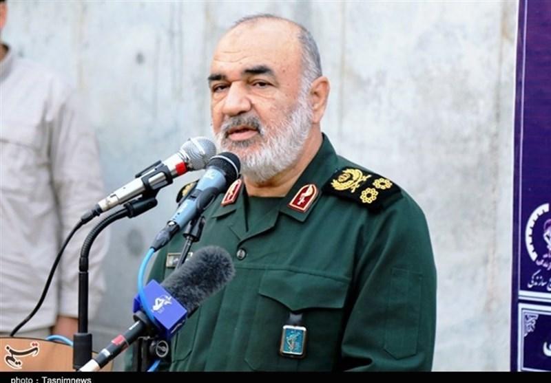 سردار سلامی: سپاه با احساس مسئولیت در میدان مقابله با کرونا قرار گرفته است