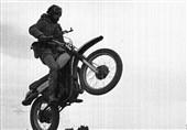همرزمان شهید چمران چگونه با «موتورسیکلت» سینما حقیقت را درنوردیدند؟+فیلم
