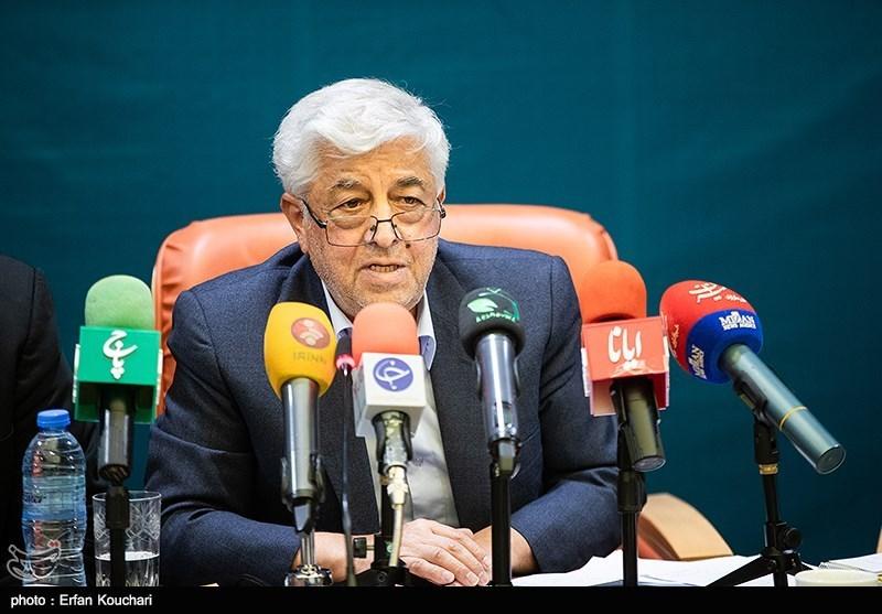 سرپرست وزارت جهاد کشاورزی در بوشهر: مبارزه علیه آفت ملخ صحرایی آغاز شده است