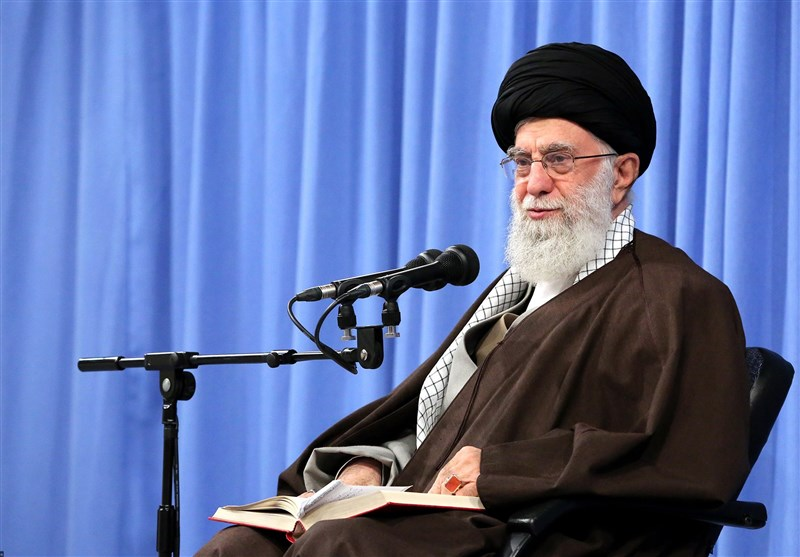 Leader Pardons over 2,300 Iranian Inmates on Revolution Anniversary