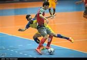 اصفهان|بازیکن تیم فوتسال سوهان محمدسیما: داور تمرکز خود را از دست داد؛ امیدوارم گیتیپسند به حق خود برسد