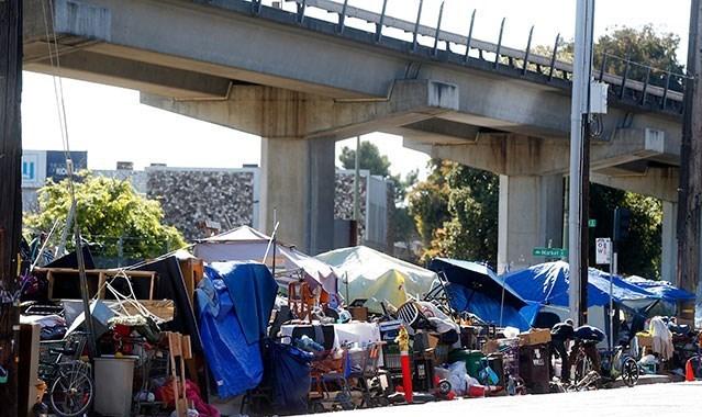 هراس مقامات آمریکایی از فراگیری ویروس کرونا به دلیل تعداد بالای بیخانمانان این کشور + تصاویر