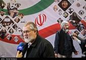 وحید جلیلی و نادر طالبزاده در پایان نشست خبری دهمین جشنواره مردمی فیلم عمار