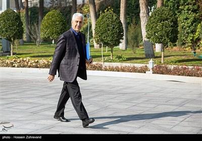 منصورغلامی، وزیر علوم درحاشیه جلسه هیئت دولت