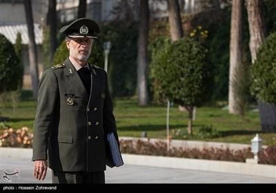 امیر سرتیپ امیر حاتمی وزیر دفاع درحاشیه جلسه هیئت دولت