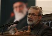 لاریجانی: کشور قدرتمند در مقابل دیگران میتواند استقامت نشان دهد