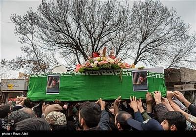 این مراسم که از ساعت 10.45 از میدان شهدای تبریز بهسمت میدان ساعت برگزار شد، جمع کثیری از مردم شهید پرور و همرزمان شهید در این مراسم باشکوه حضور داشتند