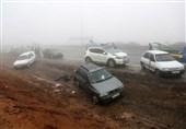 برخورد 30 خودرو در شهرستان کوهرنگ به علت کولاک برف