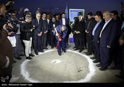 عملیات اجرایی فاز 4 پروژه مشارکتی مسکونی-تجاری زندگی مشهد با حضور محمد باقر نوبخت معاون رئیس جمهور و رئیس سازمان برنامه و بودجه کشور