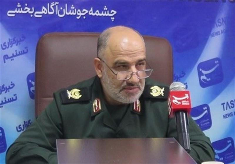 انقلاب اسلامی ایران با وجود تمام کمبودها و تحریمها امروز سربلند به پیش میرود