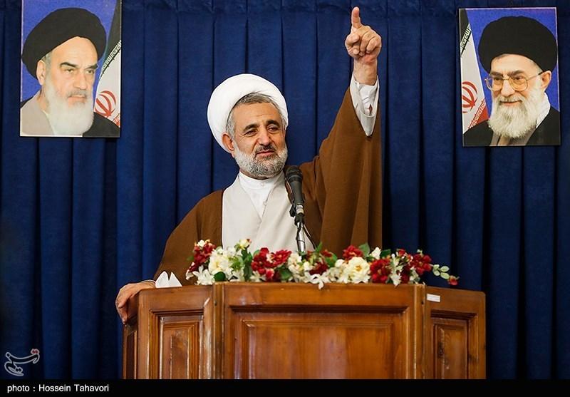 حجتالاسلام مجتبی ذوالنوری رئیس کمیسیون امنیت ملی و سیاست خارجی مجلس شورای اسلامی در مراسم بزرگداشت 9 دی در کیش