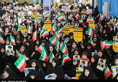 Iranians Mark 2009 Rallies in Support of Islamic Establishment
