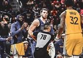 لیگ NBA| جریمه سنگین بازیکن وریرز به خاطر هل دادن حریف + عکس