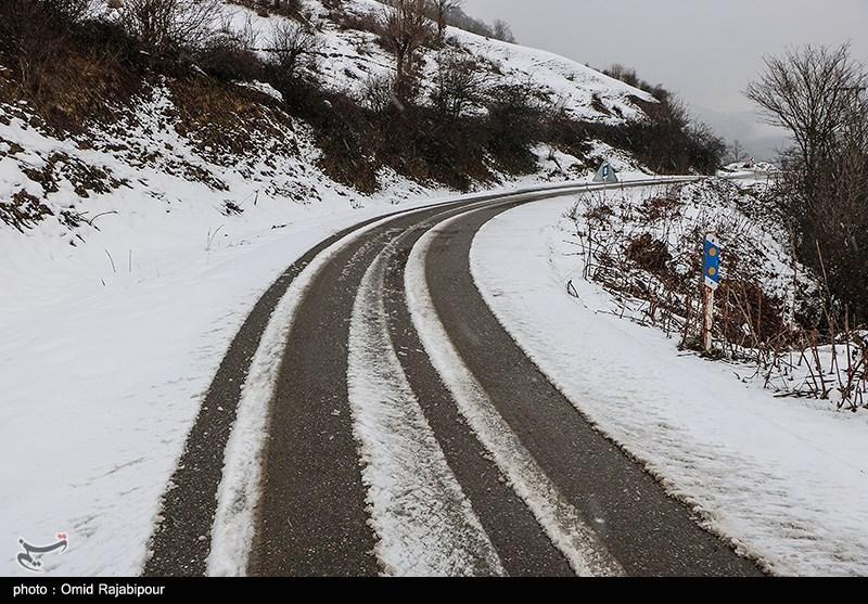 برف و باران در جاده های 7 استان