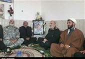 دیدار سرلشکر سلامی با خانواده شهید مدافع امنیت در استان خوزستان+تصویر