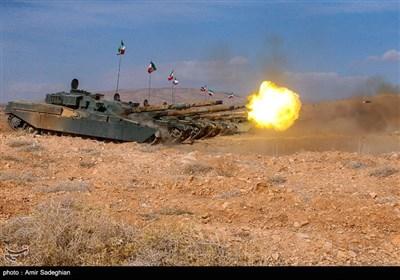 رزمایش ترکیبی تیپهای 55 هوابرد و 37 زرهی ارتش- شیراز