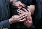 فرزند سپهبد شهید قاسم سلیمانی در آغوش فرزند شهید احمد کاظمی