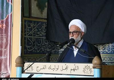 امامجمعه موقت سمنان: مردم کسی را انتخاب کنند که در تراز انقلاب اسلامی باشد