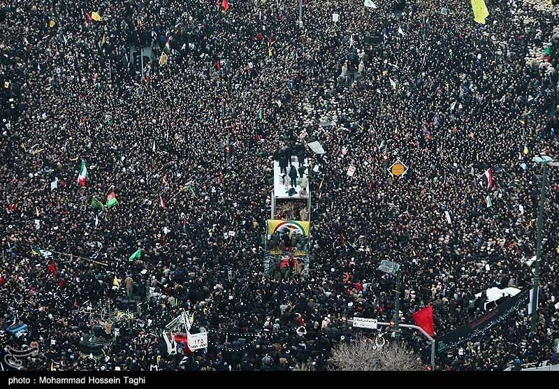 مشهد مقدس میں جنرل قاسم سلیمانی اور ابو مہدی المہندس کی عظیم الشان تشییع
