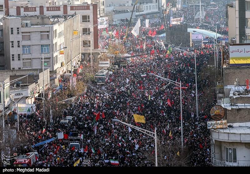 در حال تکمیل/ میلیونها نفر در تهران «حاج قاسم» و همرزمانش را مشایعت کردند/ نماز اشکبار رهبر انقلاب بر پیکر شهدا/ مردم خواهان «انتقام سخت» هستند