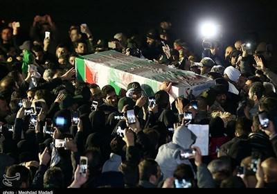 استقبال تهرانیها از پیکر شهدای ترور امریکایی در پایگاه هوایی قدر