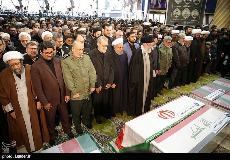 تہران؛ شہید قاسم سلیمانی اور ان کے ساتھیوں کی نماز جنازہ
