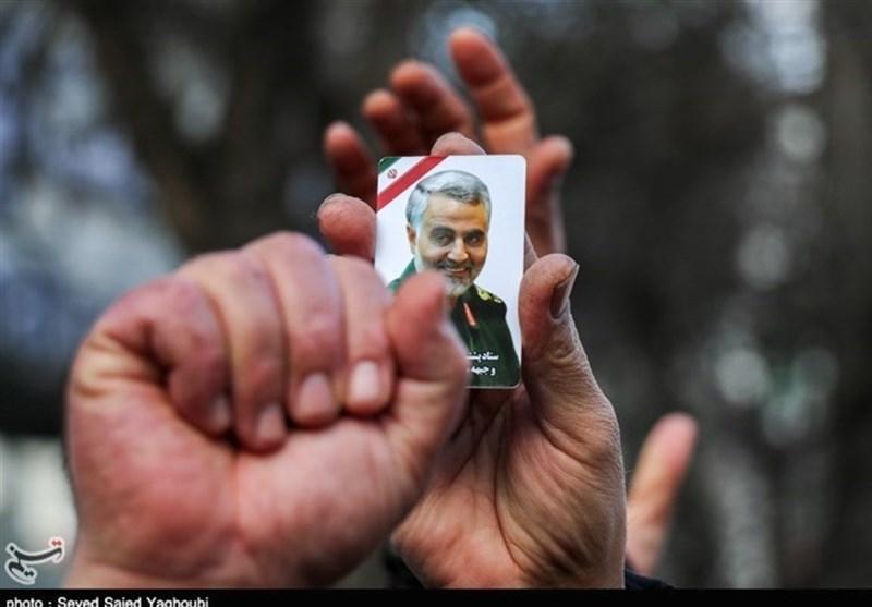 مردم آبادان حماسهآفرین شدند؛ بدرقه شهید المهندس تا پایتخت دفاع مقدس + فیلم