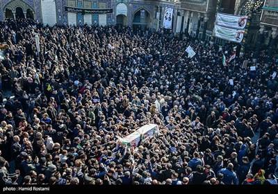 تشییع و خاکسپاری شهید مقاومت وحید زمانی نیا در حرم حضرت عبدالعظیم حسنی(ع)