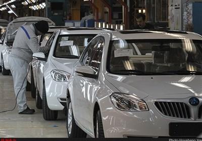 """""""خودروهای بیکیفیت"""" نتیجه تقابل وارداتچیها و تولیدکنندگان است"""