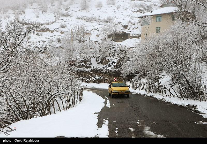 برف و باران در جادههای 11 استان/بارش برف در محورهای شمالی