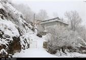 مسیر ارتباطی 125 روستای خاش و میرجاوه در پی بارش برف و سیلاب مسدود است