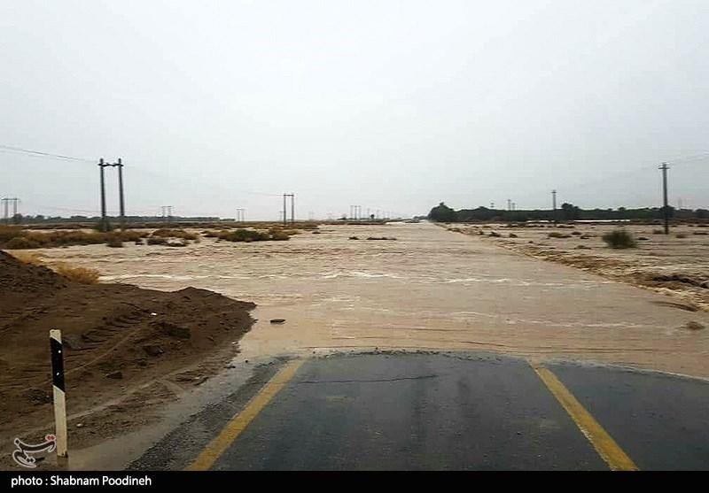 خسارت سیل به خطوط انتقال آب 3 استان کشور/ اعزام تانکرهای سیار آبرسانی