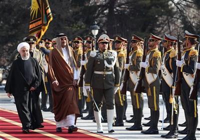 الرئیس الإیرانی یستقبل أمیر قطر رسمیاً