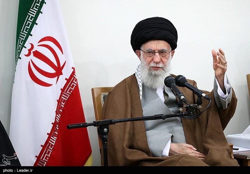 Leader Urges Efforts to Familiarize Youths with Eminent Martyrs