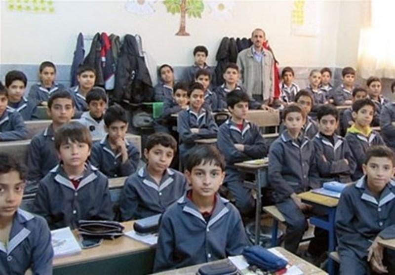 تأکید وزیر آموزش و پرورش بر تلاش برای حذف کلاسهای 40 نفره