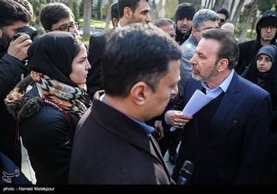 گفتوگوی محمود واعظی رئیس دفتر رئیس جمهور با جمعی از خبرنگاران در حاشیه جلسه هیئت دولت