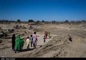 گزارش ویدئویی| روایت تسنیم از مصائب مردم در روستای «جوگین» کنارک/ روستایی بدون برق با خانههای کپری