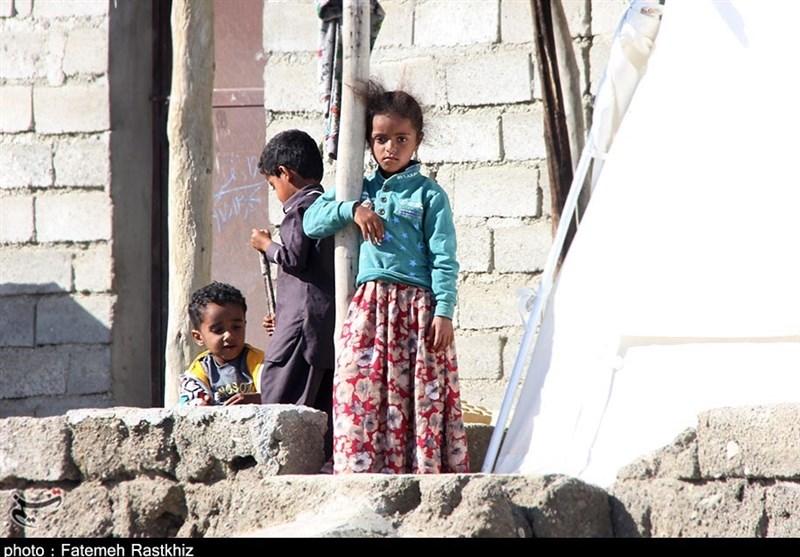"""درخواستهای کودکان سیلزده شرق هرمزگان از مردم ایران / """"برای ما لباس و کتاب بیاورید"""" + فیلم"""
