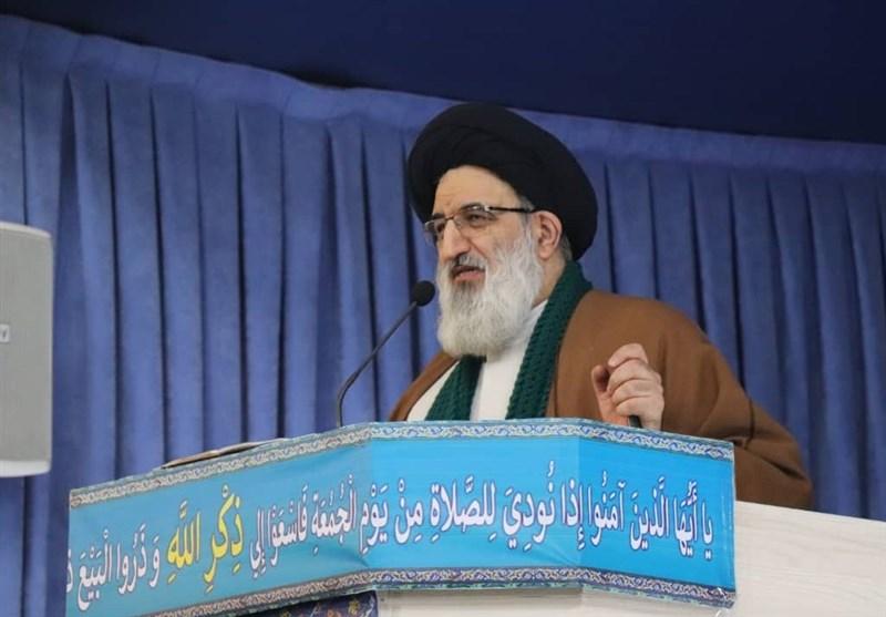 امام جمعه کرج: دشمن برای تضعیف جریان مقاومت در کشور تلاش میکند