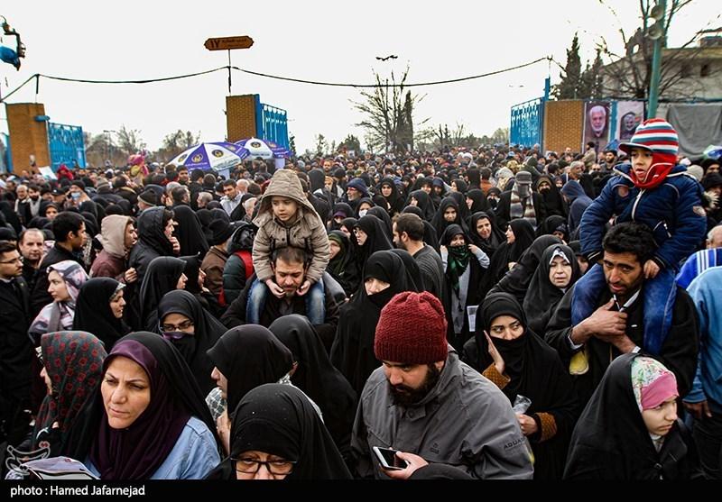 یک میلیون و 800 هزار تهرانی در نمازجمعه به امامت رهبری شرکت کردند
